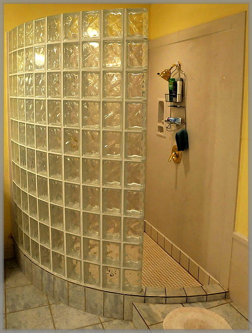 shower-with-glass-block-wal